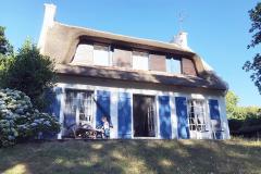 Terrasse und Außenansicht Wohnzimmerseite